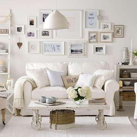 mediterranean Living room by Evinin Ustası
