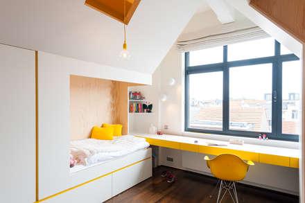 DELMAZ: moderne Kinderkamer door van staeyen interieur architecten