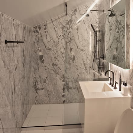 남산현대빌라: mobcreative의  욕실