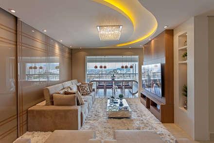 Ruang Keluarga by Designer de Interiores e Paisagista Iara Kílaris