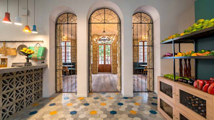 Barra: Locales gastronómicos de estilo  por KDF Arquitectura