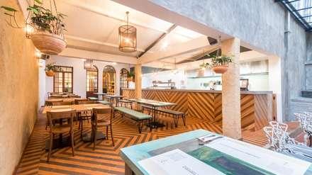 Salón Pacifico: Locales gastronómicos de estilo  por KDF Arquitectura