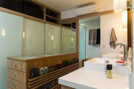 Casa Gávea: Banheiros modernos por Espaço Tania Chueke
