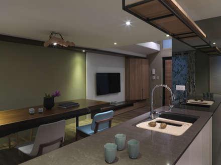 小小的森屋:  客廳 by 賀澤室內設計 HOZO_interior_design