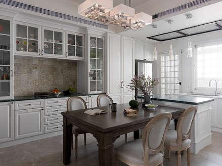 eclectic Dining room by 賀澤室內設計 HOZO_interior_design