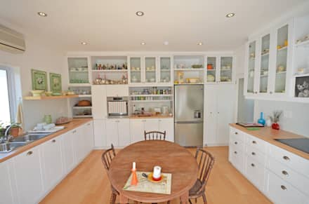 traditional kitchen: eclectic Kitchen by Till Manecke:Architect