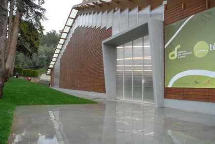 Phòng tập by Jorge Lopes, LABORATÓRIO DE ARQUITECTURA