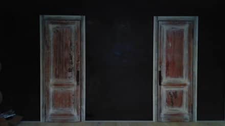 """""""Серый"""" дом: Окна в . Автор – DADA Studio"""