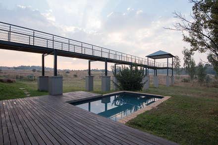 House Zwavelpoort AH: country Pool by Metako Projex