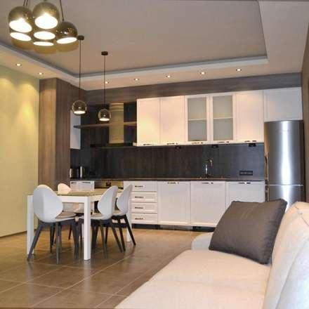 APARTMENT KB SOFIA: modern Kitchen by eNArch.info