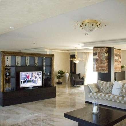 House PZ Sofia: modern Living room by eNArch.info