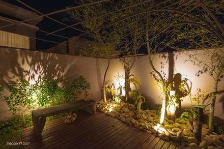 Residência - Diário de Obra: Jardins modernos por Rafaela Novaes Paisagismo