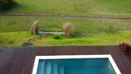 modern Pool by Maciel e Maira Arquitetos