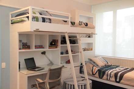 modern Nursery/kid's room by ARK2 ARQUITETURA