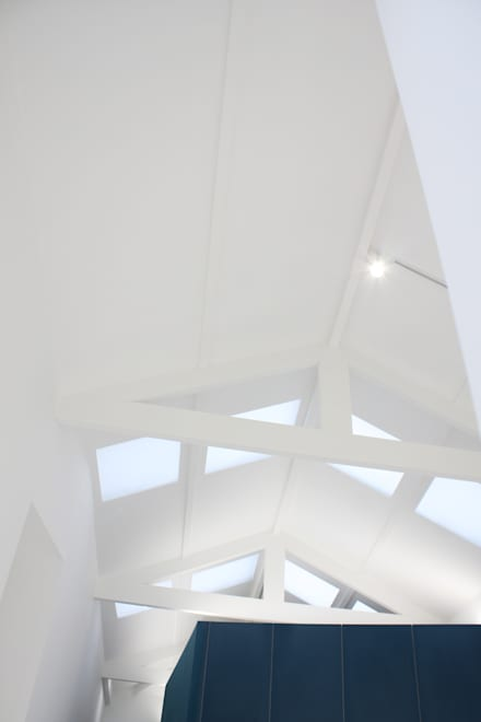 Gable roof by GRAU.ZERO Arquitectura