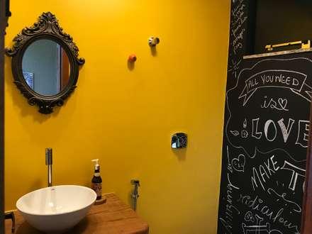 LAZER LC: Banheiros modernos por TRES MAIS arquitetura