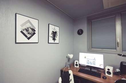 [홈라떼] 27평 북유럽 스타일의 로맨틱 신혼집 홈스타일링: homelatte의  서재 & 사무실