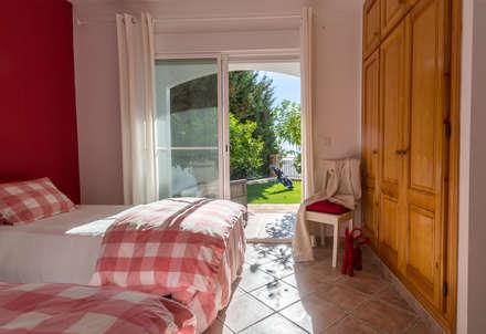 Dormitorio infantil: Dormitorios infantiles de estilo mediterráneo de Home & Haus | Home Staging & Fotografía