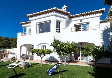 Jardín trasero: Jardines de estilo mediterráneo de Home & Haus   Home Staging & Foto