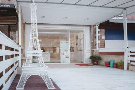 純白經典歐式:  辦公大樓 by 簡式建築室內設計