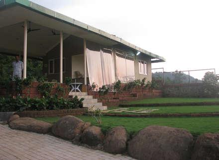 Bungalow landscape : minimalistic Garden by Land Design landscape architects