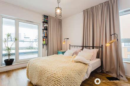 Mieszkanie na warszawskiej Pradze: styl , w kategorii Sypialnia zaprojektowany przez Michał Młynarczyk Fotograf Wnętrz