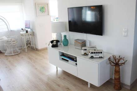 rustikale Wohnzimmer von alma portuguesa