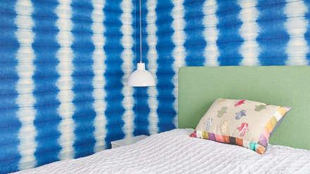 Little girl's bedroom: eclectic Nursery/kid's room by Jam Space Ltd