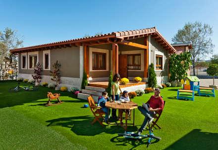GRAN VILLA: Casas de estilo clásico de GRUPO EUROCASA MODULAR