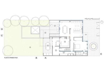 planta primer piso (vivienda existente y ampliación): Casas de estilo moderno por Thomas Löwenstein arquitecto