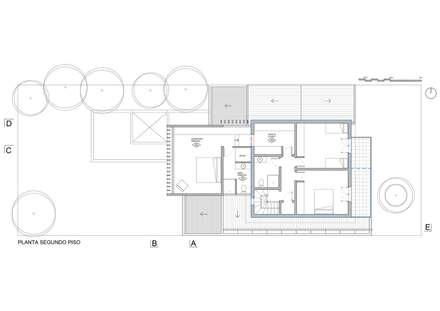 planta segundo piso (ampliación + vivienda existente): Casas de estilo moderno por Thomas Löwenstein arquitecto