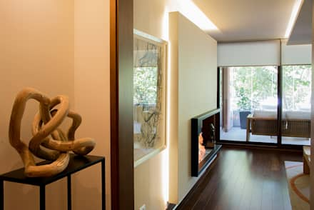 acceso a living: Pasillos y hall de entrada de estilo  por Thomas Löwenstein arquitecto