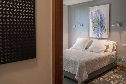 dormitorio visitas: Dormitorios de estilo ecléctico por Thomas Löwenstein arquitecto