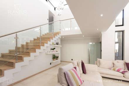 Salida del Sol Morningside:  Corridor & hallway by Flaneur Architects
