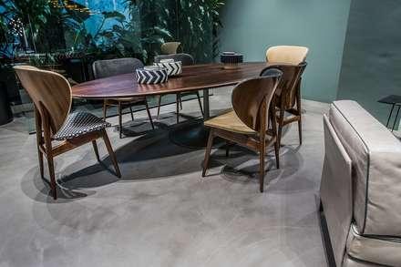 Betonowa podłoga w domu: styl , w kategorii Ściany zaprojektowany przez HD Surface