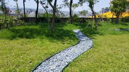 仰望藍天~腳踏綠地~呼吸杉林溪的空氣!找尋健康的足跡~:  花園 by 霖森園藝