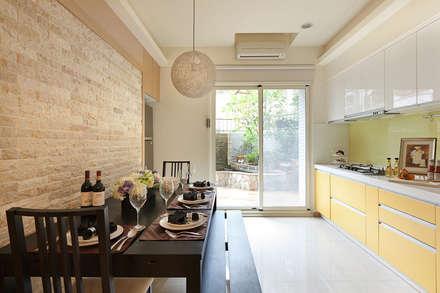Phòng ăn by 芸采創意空間設計-YCID Interior Design