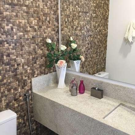 Interiores R|T: Banheiros modernos por Thamyris Sambinelli Arquitetura e Interiores