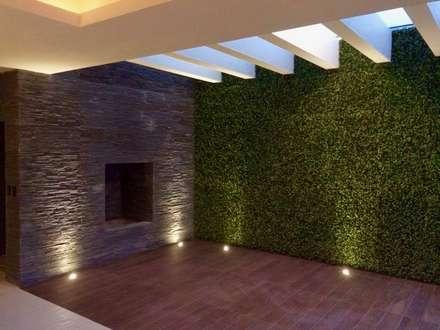 Casa Lomas Verdes: Terrazas de estilo  por simon&diseño