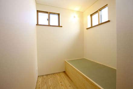 西久保の家: 光風舎1級建築士事務所が手掛けた書斎です。