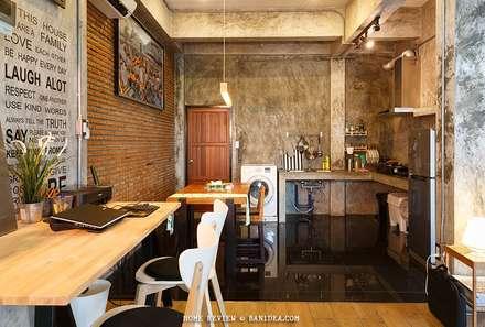 บ้านพักตากอากาศ ชลบุรี:  ห้องทานข้าว by LOFT HOME (THAILAND) Co.,Ltd
