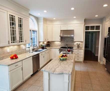 classic Kitchen by Lux Design Associates