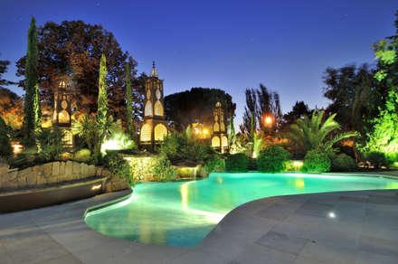 Jardín Hispanoárabe en Madrid: Jardines de estilo mediterráneo de  Fernando Pozuelo Landscaping Collection
