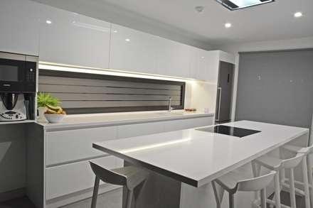Cocina: Cocinas de estilo minimalista de Cocinahogar Estudio
