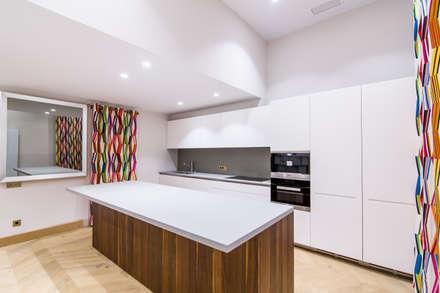 Cocina 1: Cocinas de estilo minimalista de Isa de Luca