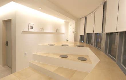 Haru Hostel : 디자인 스튜디오 파브의  다이닝 룸