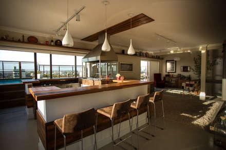 مطبخ تنفيذ Rafael Grantham Arquitetura