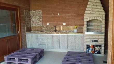rustic Garage/shed by EKOa Empreendimentos Sustentáveis