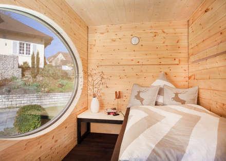 Zinipi: rustikale Schlafzimmer von Freiraum GbR