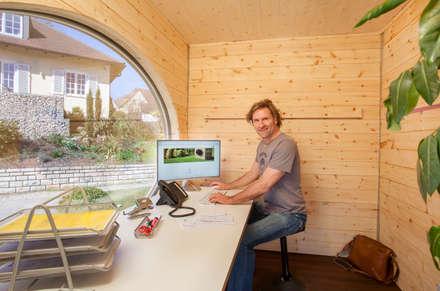 Zinipi: rustikale Arbeitszimmer von Freiraum GbR